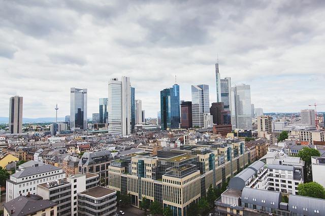 A partir de quelle date une commune doit-elle appliquer l'ancienne réglementation d'urbanisme lorsqu'un document d'urbanisme a été annulé par le juge ?