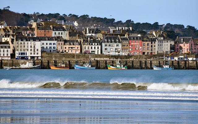 Comment s'opère l'articulation des normes d'urbanisme en zone littorale ?